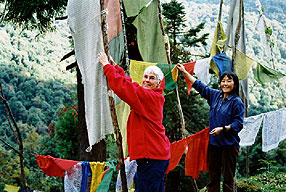 gebetsfahnen tibetisch kultur reise sikkim indien