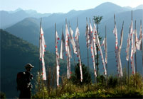 gebetsfahnen wanderung tumlong nord sikkim indien