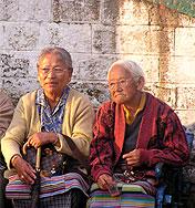 tibeterinnen rosenkranz chowrasta darjeeling indien