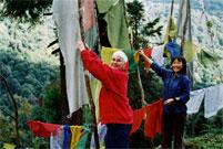 tibetisch gebetsfahnen buddhismus pilgerreise kultur reise sikkim indien